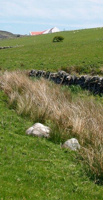 Crear, seen from the fields below