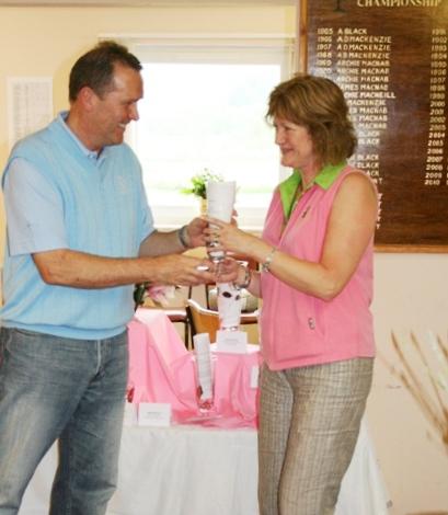 Event sponsors Rae and Steve Bleasby of Tarbert's Loch Fyne Gallery