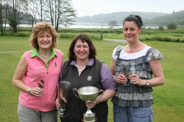 (l to r) Rae Bleasby (runner-up), Fiona McGlynn (winner), Janeann Reppke (third)