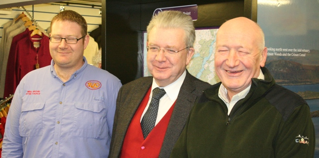 (l to r) Archie MacGilp Jnr, Mike Russell MSP, Archie MacGilp Snr